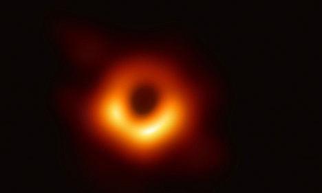Científicos financiados por la UE presentan la primera imagen de un agujero negro