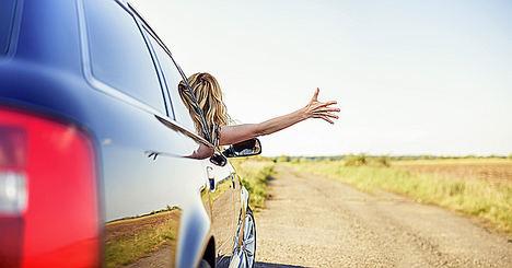 ¿Qué hay que tener en cuenta a la hora de alquilar un coche?