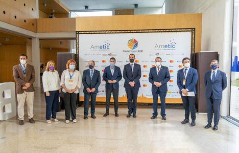 """""""El plan de modernización y competitividad del Turismo pretende reforzar las cualidades del sector para que España siga siendo líder mundial"""""""