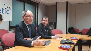 De izqda. a dcha.: Pedro Mier, presidente de Ametic y Francisco Hortigüela, director general de Ametic.