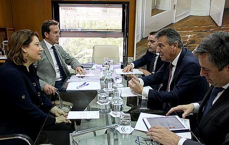 La Consejería de Agricultura de Andalucía y Endesa coinciden en explorar el potencial andaluz en energías renovables para generar empleo