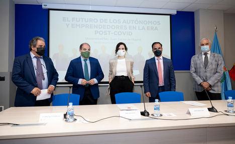"""Isabel Díaz Ayuso: """"Lo mejor para apoyar a los autónomos es dejaros trabajar"""