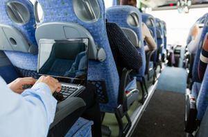 Alquilar autobuses, una buena opción para el transporte del personal