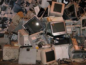 Cada español genera una media de 20 kilos de basura electrónica al año