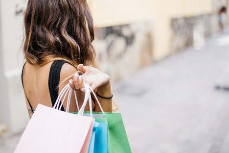 Solo uno de cada diez británicos se aprovecha de los descuentos tax free en sus compras en España tras el Brexit