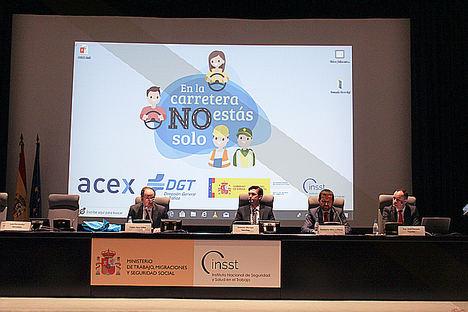 Asepeyo participa en la presentación de la campaña nacional 'En la carretera no estás solo'