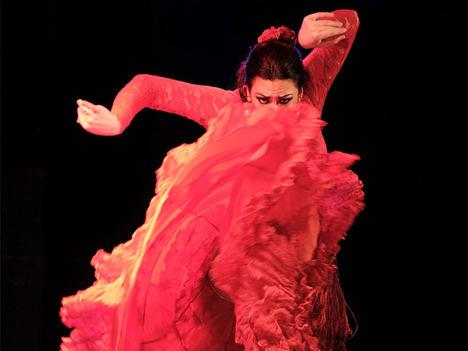 """El """"taconeo"""" llega al escenario del tablao flamenco Cardamomo"""