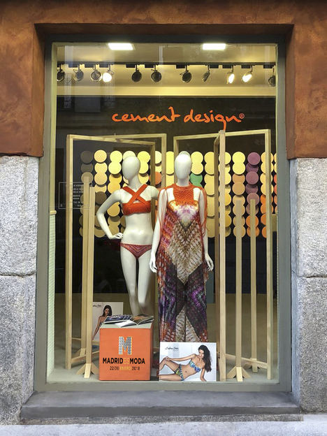 Cement Design abre las puertas a la Moda con los diseños de Dolores Cortés