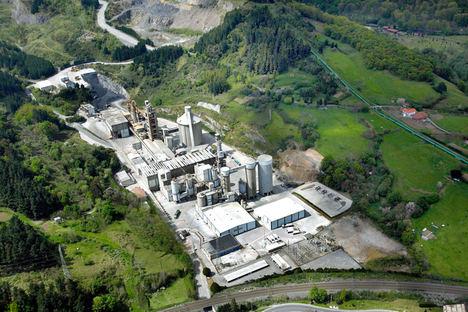 El consumo de cemento crece un 3,8% en noviembre y sitúa la pérdida anual en un 11%