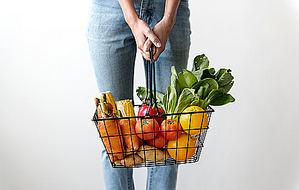 El 60% de los productos de la cesta de la compra son procesados y envasados