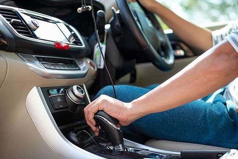 Cómo comprar online un vehículo eléctrico o híbrido enchufable