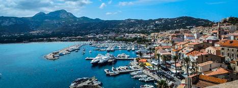 """Descubrir los encantos de Córcega, """"la Isla de la Belleza"""", desde el mar"""