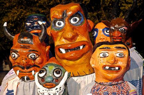 Disfrutar de la mascarada en Barva