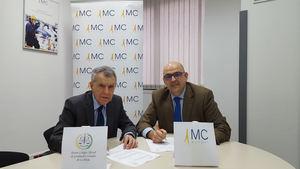 De izqda a dcha: Máximo García Zuazo, vicepresidente del CGS de La Rioja y Javier Marrodán, director de MC MUTUAL en La Rioja.