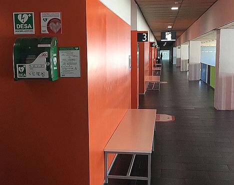 Los centros deportivos de Extremadura deberán contar con desfibriladores