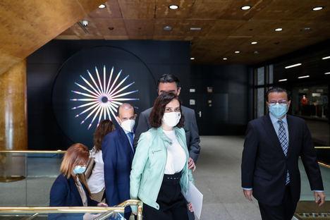 Díaz Ayuso lamenta que el Gobierno siga sin detallar los fondos europeos y reclama la participación de las CCAA en su gestión