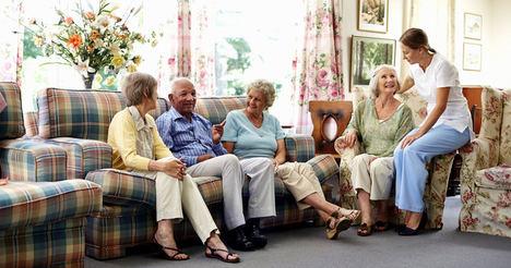 ¿Qué diferencias existen entre una residencia geriátrica y un centro de día?