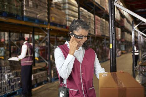 Toshiba lanza una nueva solución para sus gafas inteligentes dirigida al sector logístico