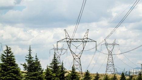 La electrificación basada en energías renovables es una herramienta de salud global