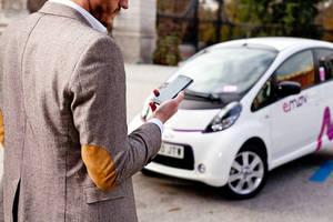 Banderazo de salida a emov, el nuevo servicio de carsharing en Madrid