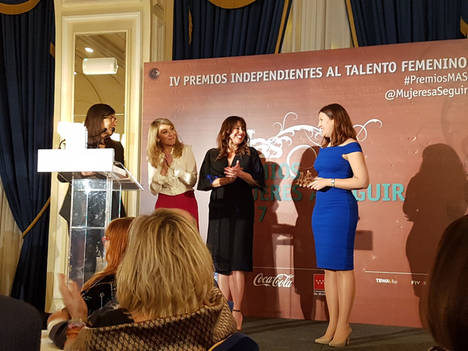 """Estefanía Matesanz, decana del COIAE, galardonada con el Premio """"Mujer a Seguir"""" en la categoria de ciencia y tecnología"""