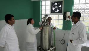 AINIA transfiere equipos y formación para la puesta en marcha de una planta piloto de biogás en Perú