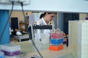 ¿Qué son los estudios genómicos y cómo me pueden ayudar?