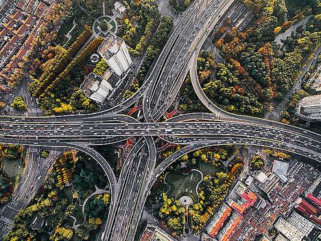 """Fujitsu presenta sus tecnologías avanzadas para una total movilidad urbana en """"Shift AUTOMOTIVE"""" en Berlín"""