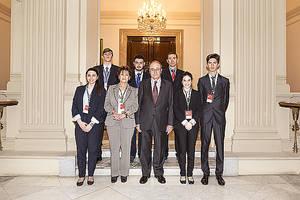 Cinco estudiantes del Colegio Sámer Calasanz, de Madrid, ganadores de la 6ª edición del Concurso Generación €uro