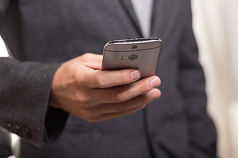 ¿Cómo evitar las interrupciones constantes del móvil? Asigna un tiempo a cada interrupción
