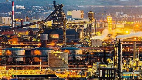 Ligero aumento en la producción industrial de la Eurozona a medida que se modera la recesión