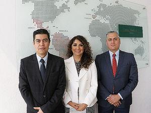 De izqda. a dcha.: Jorge Carpinteyro, Lorena Rodríguez y Hugo Palma.