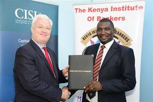 Kevin Moore, director de Expansión Internacional del CISI y Gilbert Allela, CEO del KIB.