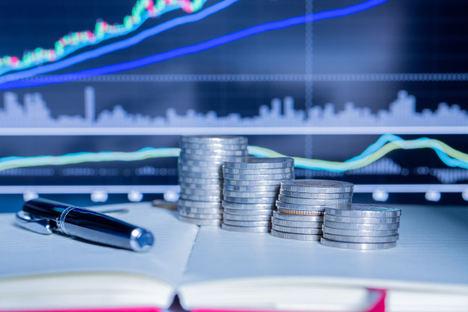 La tendencia a las compras económicas lleva a los inversores a adquirir la deuda y hacerse con el bien posteriormente
