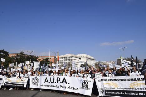 Autónomos de toda España exigen mejoras laborales en una manifestación en Madrid