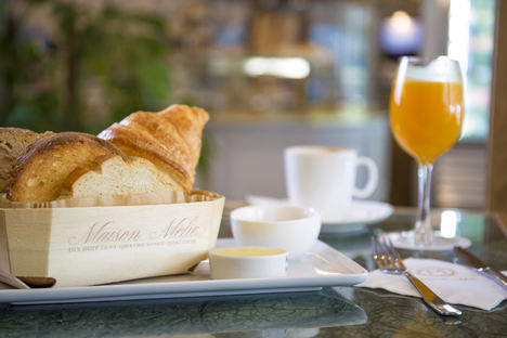 Maison Mélie lleva el desayuno a los héroes sanitarios del Hospital la Paz