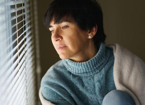 La menopausia, una de las etapas hormonales más propensa a la caída del cabello