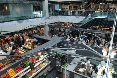 Los mercados municipales de Madrid, abiertos y preparados para el reparto a domicilio