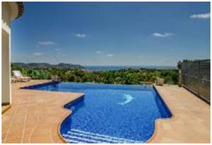 Cinco casas con piscina para el chapuzón del verano
