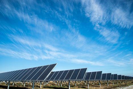 La planta solar San Servan de FRV alcanza el cierre financiero por valor de 64 millones en la primera transacción verde