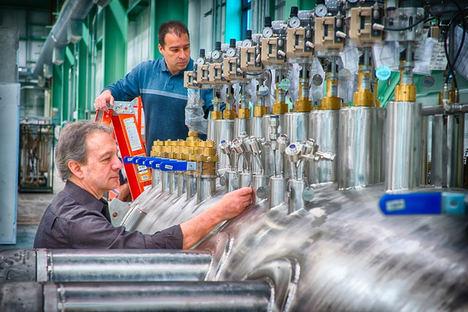 ¿Por qué los componentes estandarizados pueden reducir los costes de inversión en maquinaria?