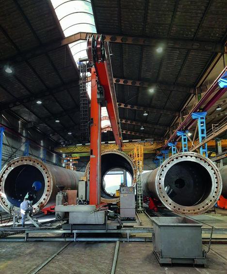 Las columnas de soldadura circulares se basan en guías de rodillos de la serie RA de NSK para fabricar torres para turbinas eólicas en Talleres Ganomagoga.