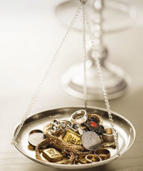 Tres aspectos que influyen en la venta de los objetos de oro de particulares