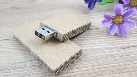 ¿Por qué comprar y regalar USBs personalizados?