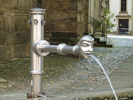 Los esfuerzos de la Unión Europea para mejorar la calidad del agua de consumo