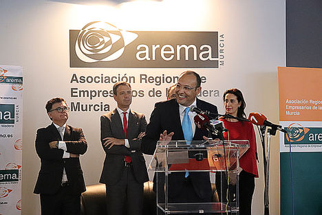 CETEM recibe el Premio Anual de AREMA por sus 25 años al servicio de las empresas del sector del mueble y la madera