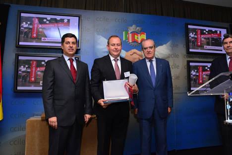 Luis Osuna, presidente-ceo del Grupo Coviran, Premio Empresario del Año por la Cámara de Comercio Luso-Española