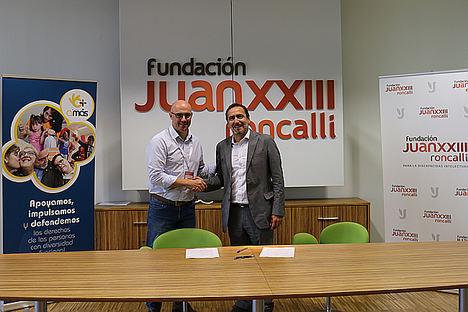 La Fundación Juan XXIII Roncalli firma un acuerdo de colaboración con la Fundación Amás Social para impulsar un modelo integral de intervención con personas mayores con discapacidad intelectual