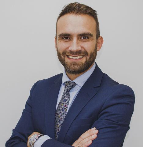Óscar Mendoza, nombrado CEO de la compañía Hospital Capilar