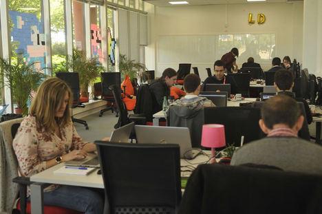 El sector tecnológico requiere de más de 300.000 profesionales en España